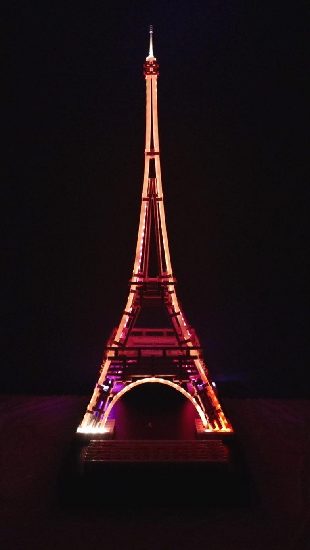 Schnabl Eiffeltoren bij nacht